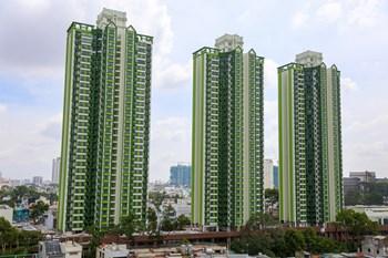 """Ngắm sự lột xác của tòa nhà """"3 cây nhang"""" ở Sài Gòn"""